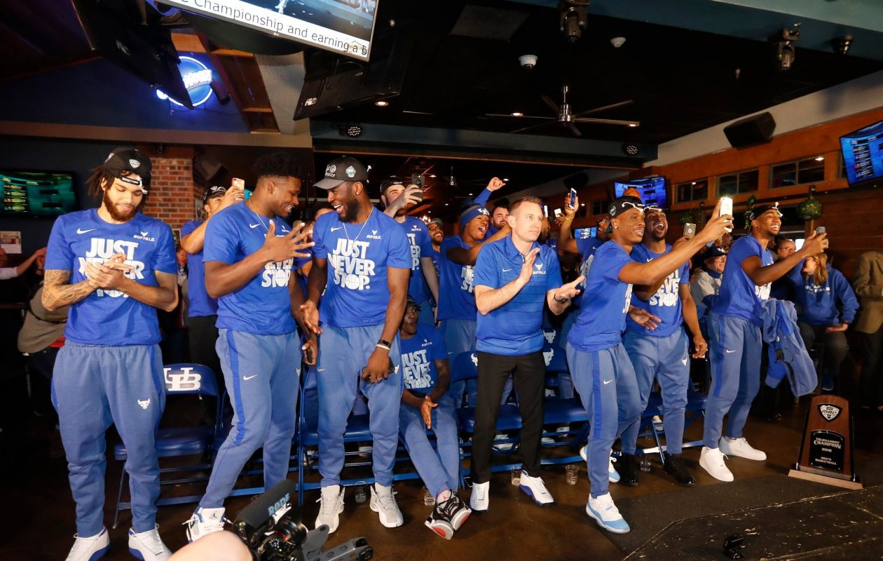 UB's men's basketball team reacts to its NCAA seeding. (Mark Mulville/Buffalo News)