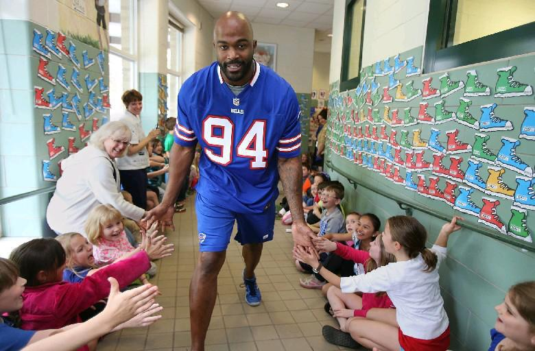 Mario Williams visited a school as part of a past Touchdown for Teachers contest. (News file photo)