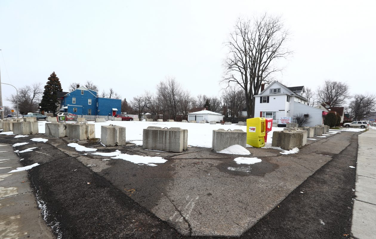 One of five former gas station properties owned by United Refining Co. in Erie County, this former Red Apple at 159 Niagara Falls Blvd. in Amherst has been a source of frustration for local officials for years. (John Hickey/Buffalo News)