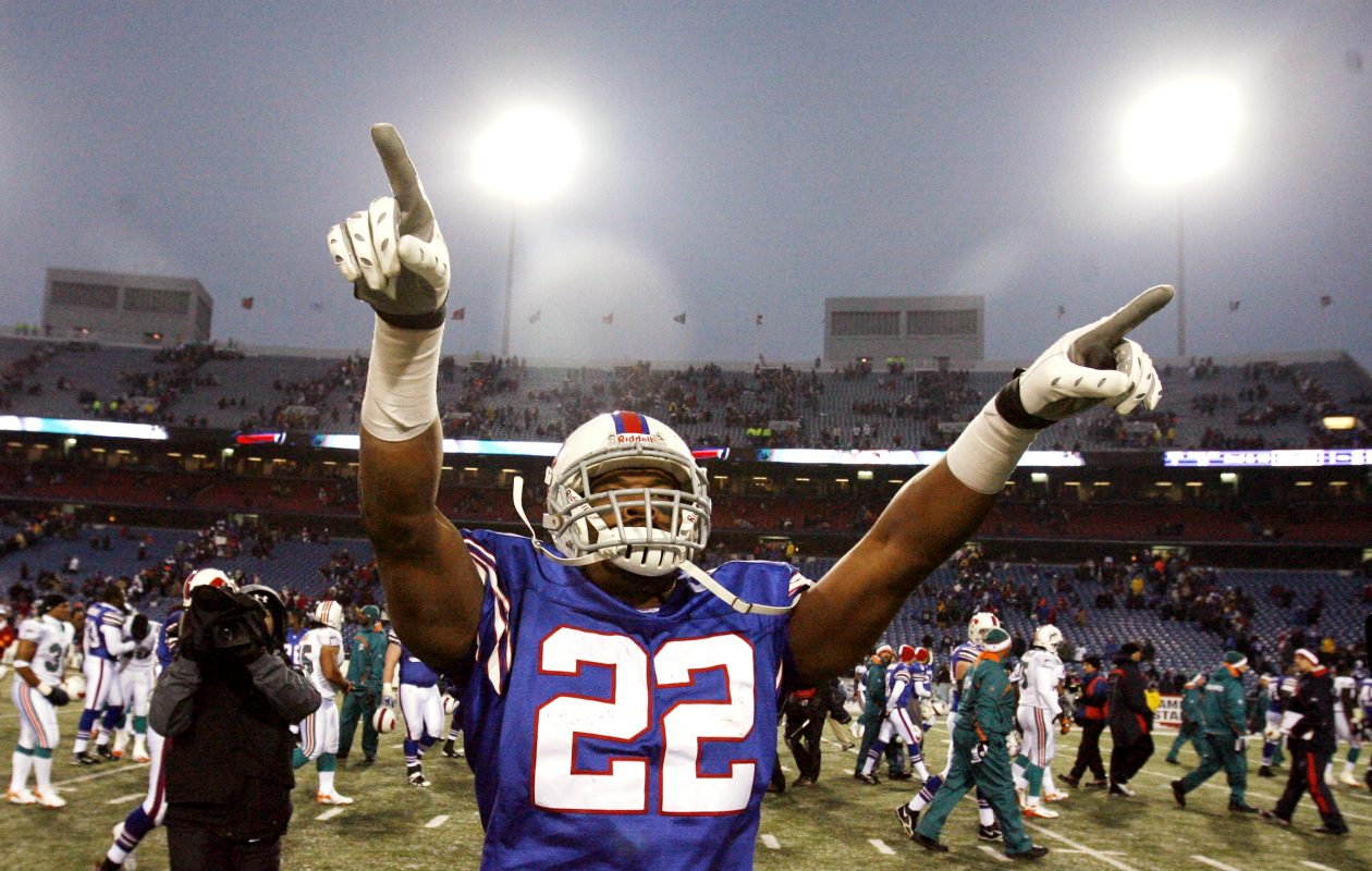 Buffalo Bills Fred Jackson waves to the crowd after the game against the Miami Dolphins at Ralph Wilson Stadium on Sunday, Dec. 9, 2007 (James P. McCoy/Buffalo News)