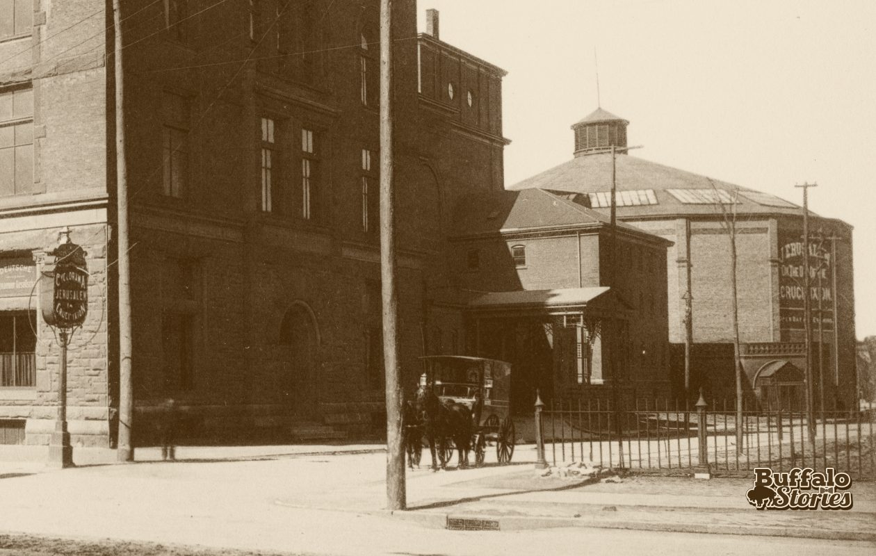 Looking at the Cyclorama from main Street, 1890. (Buffalo Stories archives)
