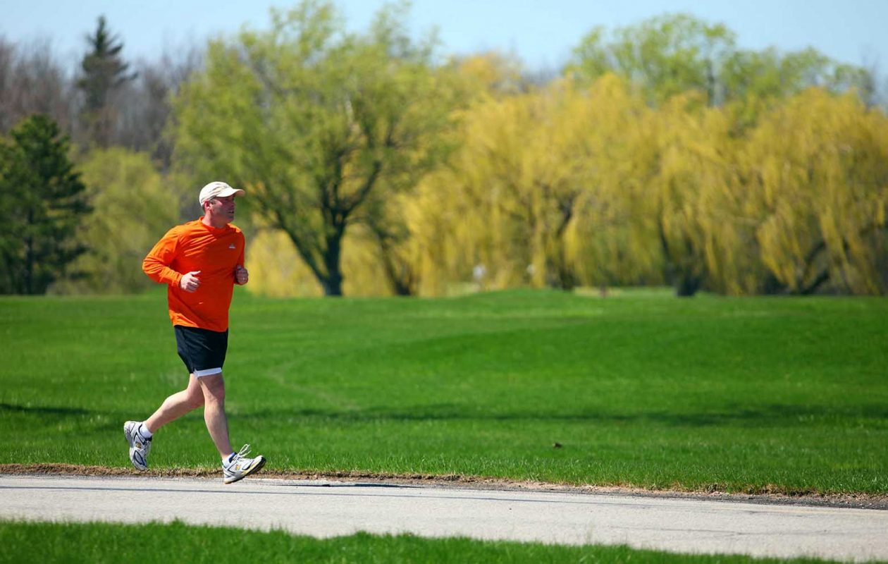 High dew points can be a cue to cut down on such strenuous outdoor activities as running. (News file photo)