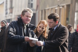 Director-John-Madden-Jessica-Chastain-and-Sam-Worthington-in-The-Debt.jpg