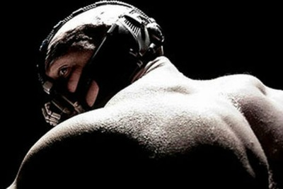 Tom-Hardy-as-Bane-in-Batm-007.jpg