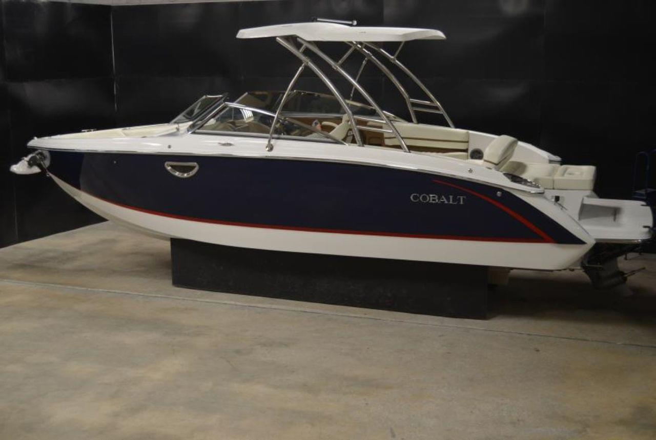 New 2016 Cobalt R7, Stock #386686-B1 - The Boat House