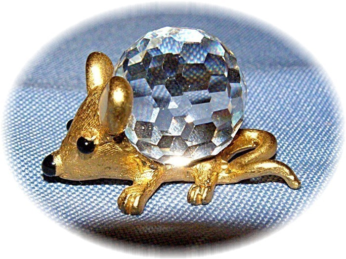 Mouse Gold Color Cast with Swarovski Crystal Ball SWEET Gift