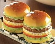 Hamburgers Salt And Pepper Shakers Set