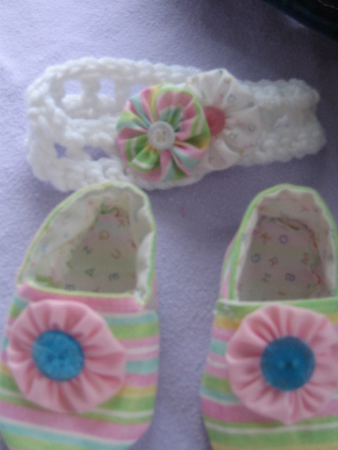 NEWBORN Baby Shoes Headband & Hairclip  Soft Shoes sz 0