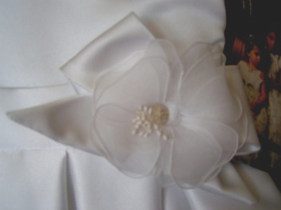 Flower_girl_joan_bow
