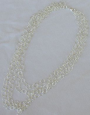 Net round necklace
