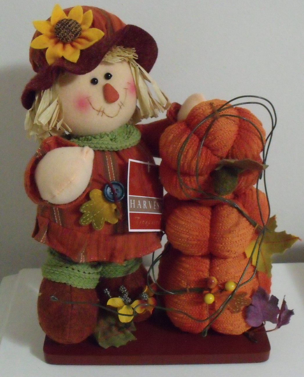 Harvest Treasures NWT Halloween Scarecrow Tabletop Decor