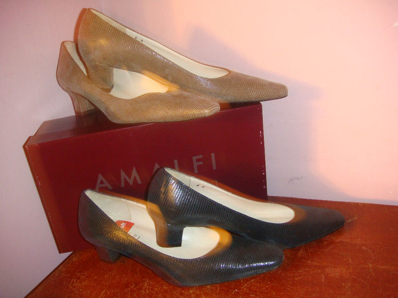 AMALFI BY RANGONI Corinta, navy or taupe made in Italy pumps Sz 6N,6M,7.5N,8N