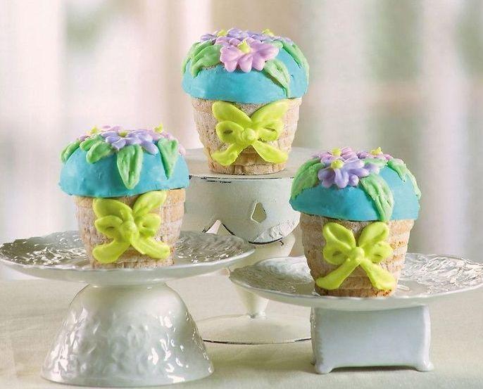 Image 0 of Set of 3 Floral Basket Cake Pans