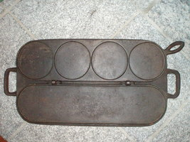 Tuttle___avery_cast_iron_pancake_griddle_thumb200