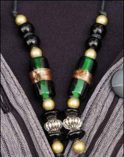 Jade_necklace_yarn_tree_7887