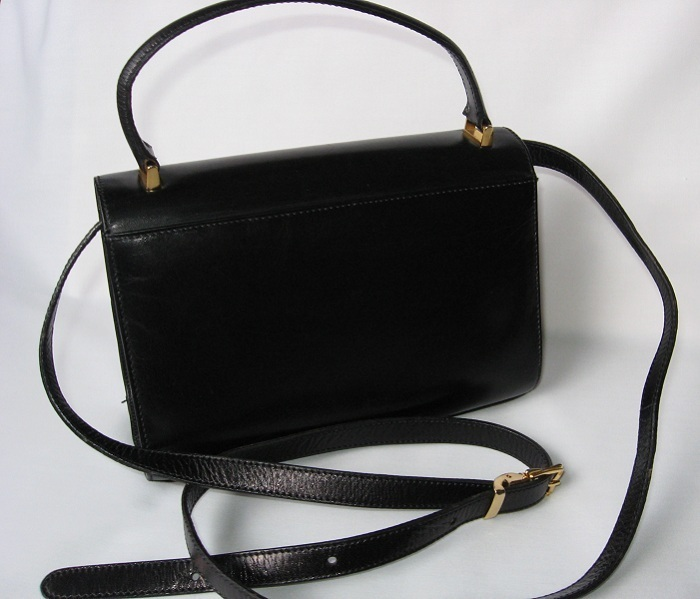 Black_leather_handbag_purse_designer_st_john
