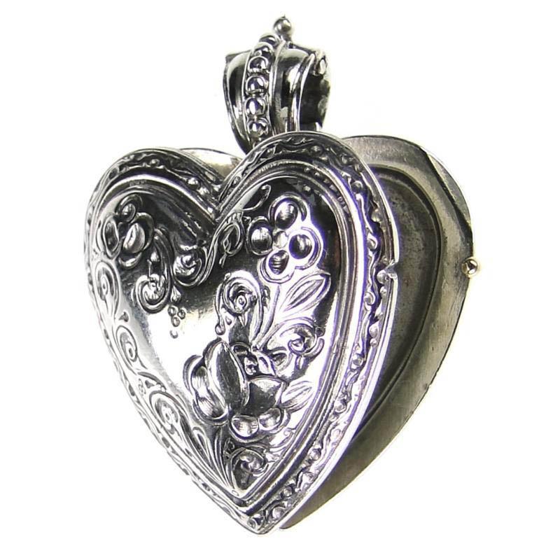 gerochristo_3278_silver_heart_locket_pendant_1.jpg