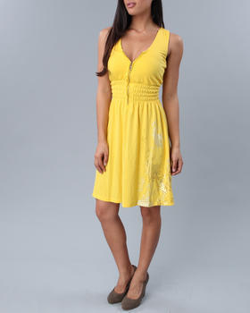 Open_back_dress_yellow