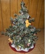 Winnie The Pooh Mini Christmas Tree With Orname... - $34.97