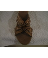 WOMAN SHOES, NEW OAKLAND SHOES BY ANNIE. 9W Bronze - $9.00