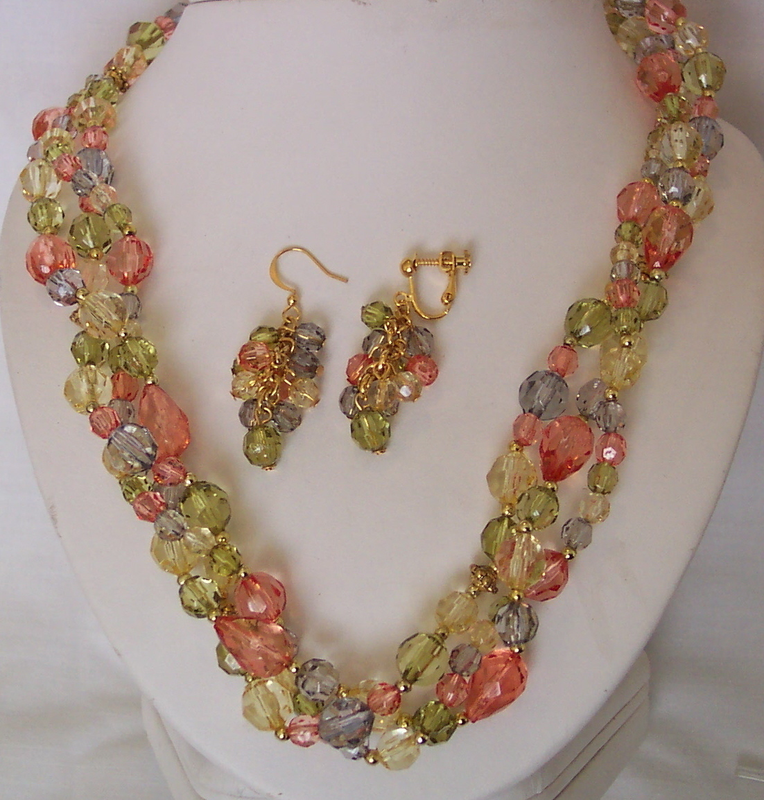 Pastel Blue Green Pink 3 Strand Bead Necklace Set Pierc