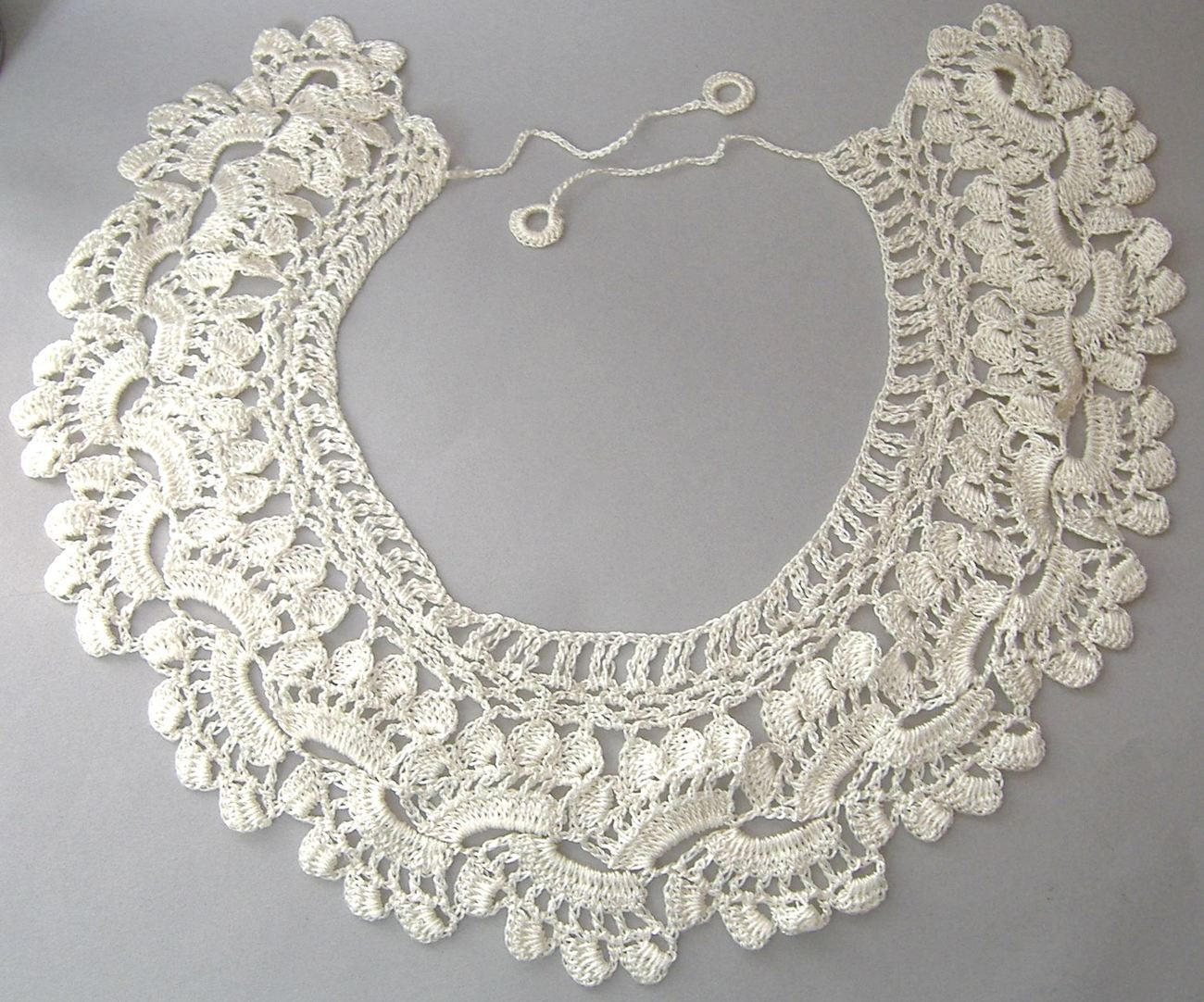 Collar Crocheted White Blouse Dress Sweater Yolk Bib Vintage