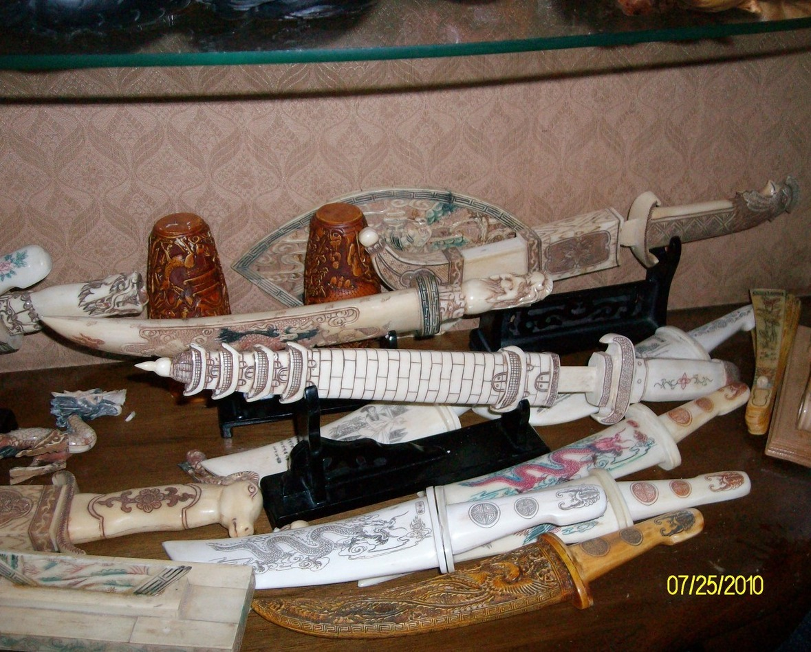 Image 3 of Pagoda  Sword Ox  Bone (Direct from China)