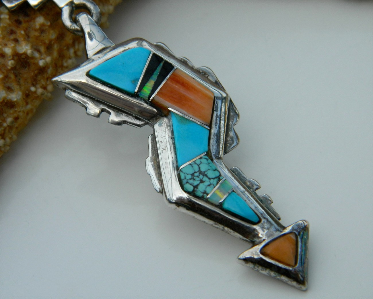 Begay_native_american_necklace_pendant_view