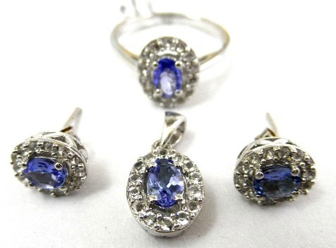Glamorous 3.75 ctw Tanzanite & Diamond 14k Gold Set - Ring Earrings & Pendant