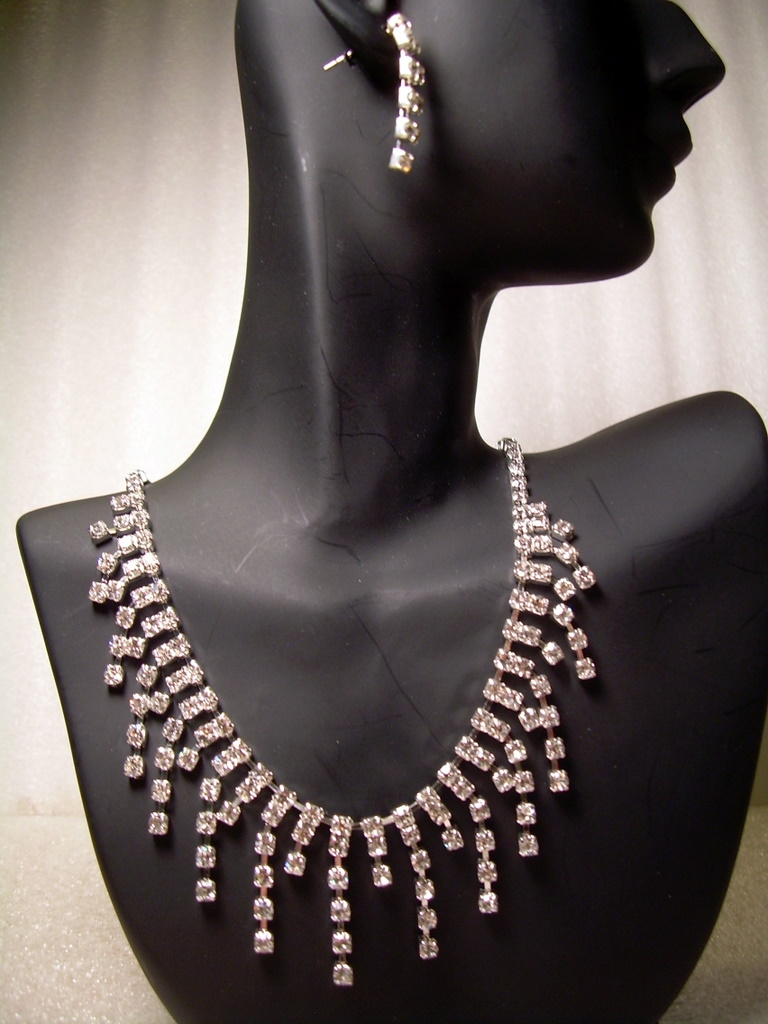 GENUINE AUSTRIAN CRYSTAL JEWELRY SET Necklace & Earrings NEW!! free shipping!