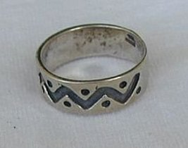 Spots silver ring