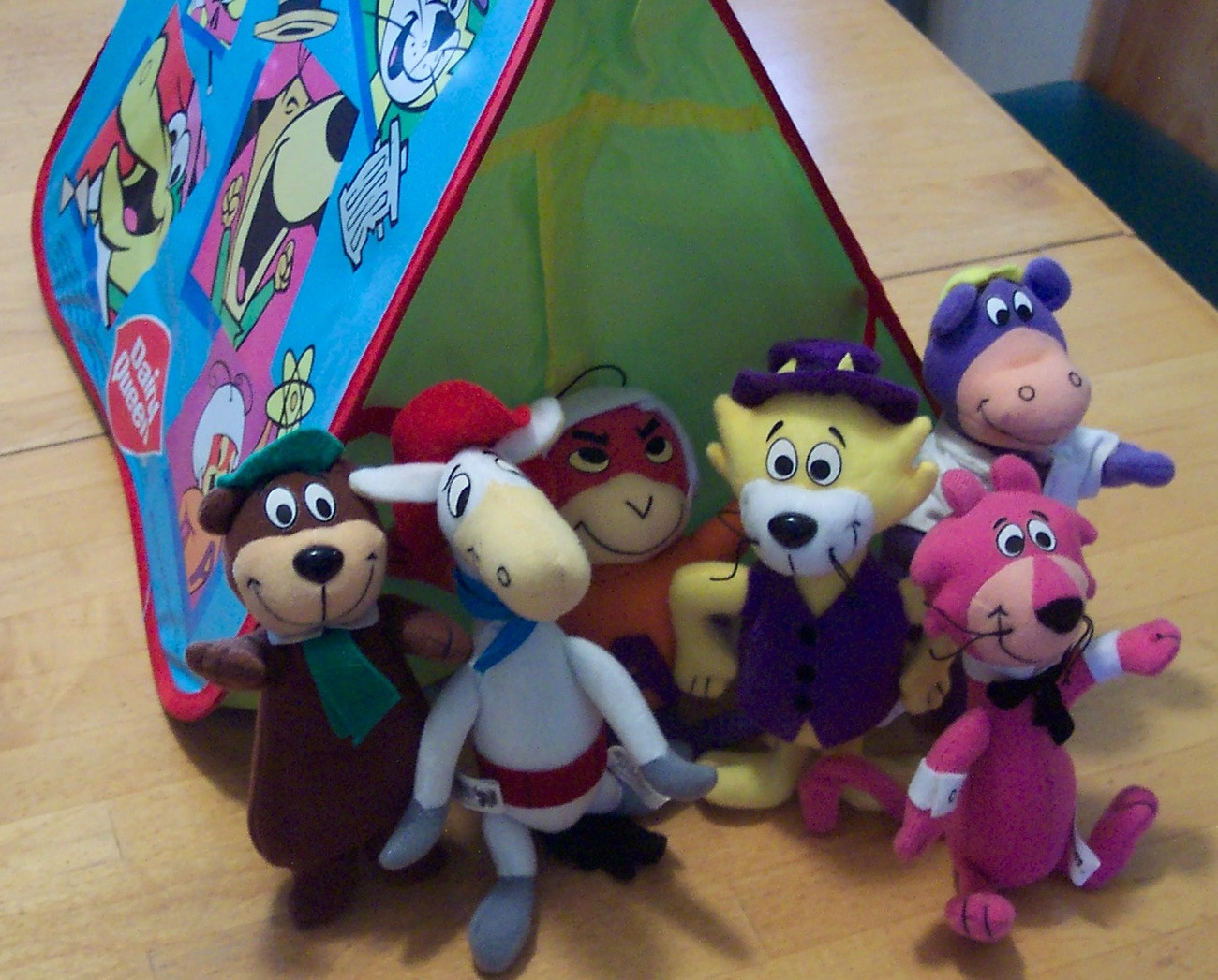 dairy queen hanna barbera plush figures with tent other