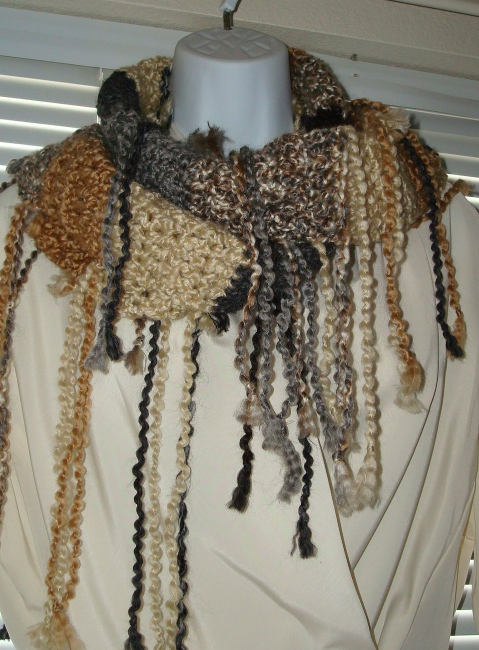 Raggamuffin_all_over_fringe_scarf_earth_tones_6_colors_
