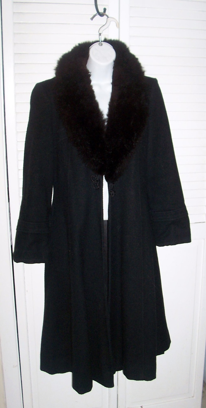 112011_black_fur_collar_coat_3