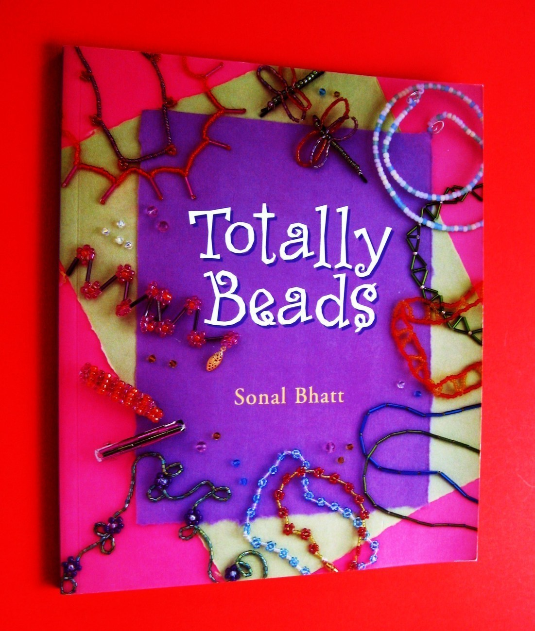 totally beads book jewelry craft hobbie creative illustrated how to guide book