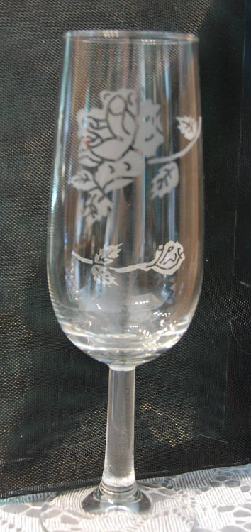 Etched Wine Glass - Floral design