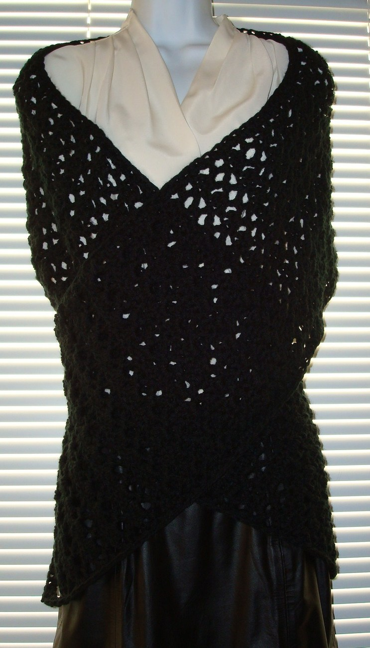 Victorian_prayer-comfort_shawl_black