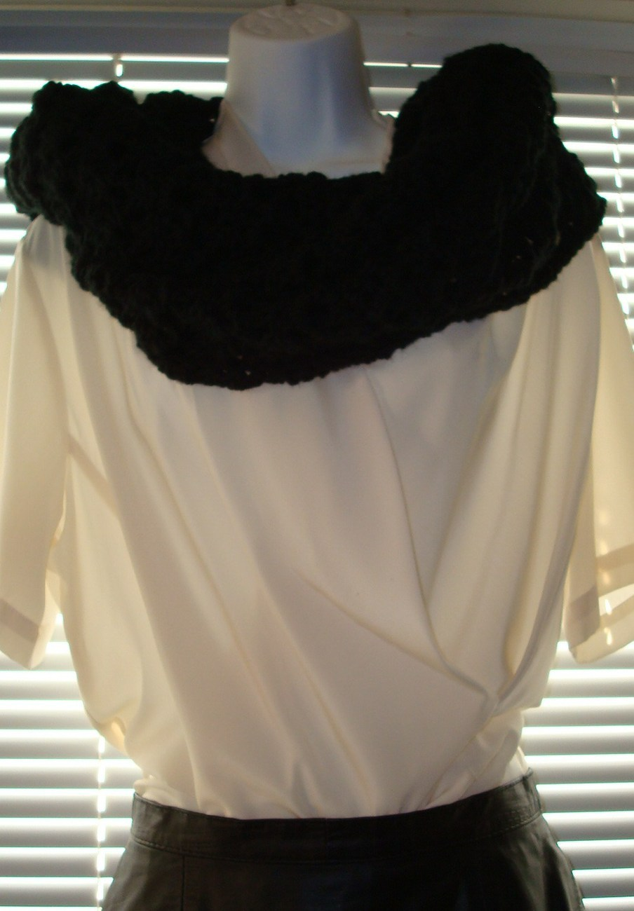 Victorian_prayer-comfort_shawl_black__8_