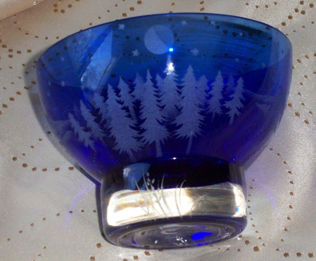 Blue_glass_bowl