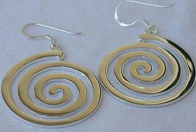 Maze hoops earrings