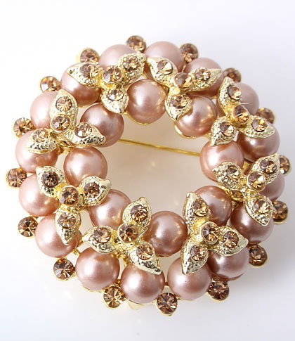 Brooch_brown_goldtone_pearl_style_wreath_brooch_fashion_accessory