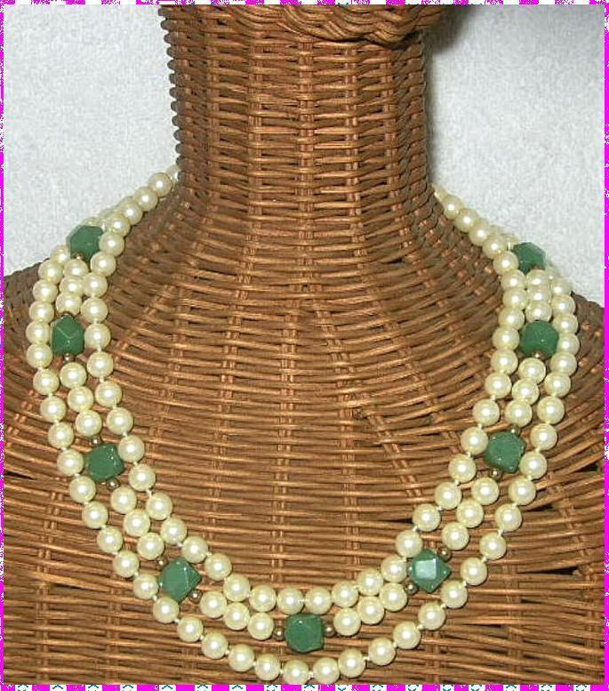 Vintage jade stone and glass faux pearls necklace hand knotted 3 strands