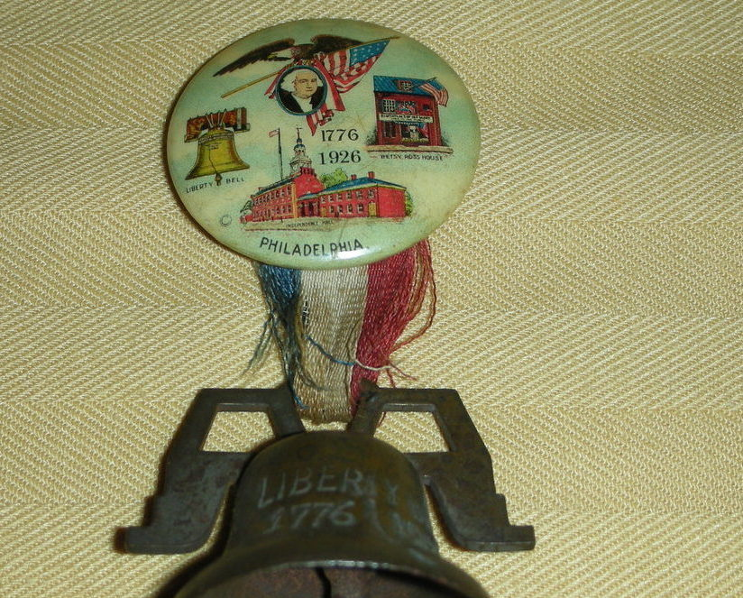 Philadelphia 1926 World's Fair Liberty Bell Pin Rare Relic