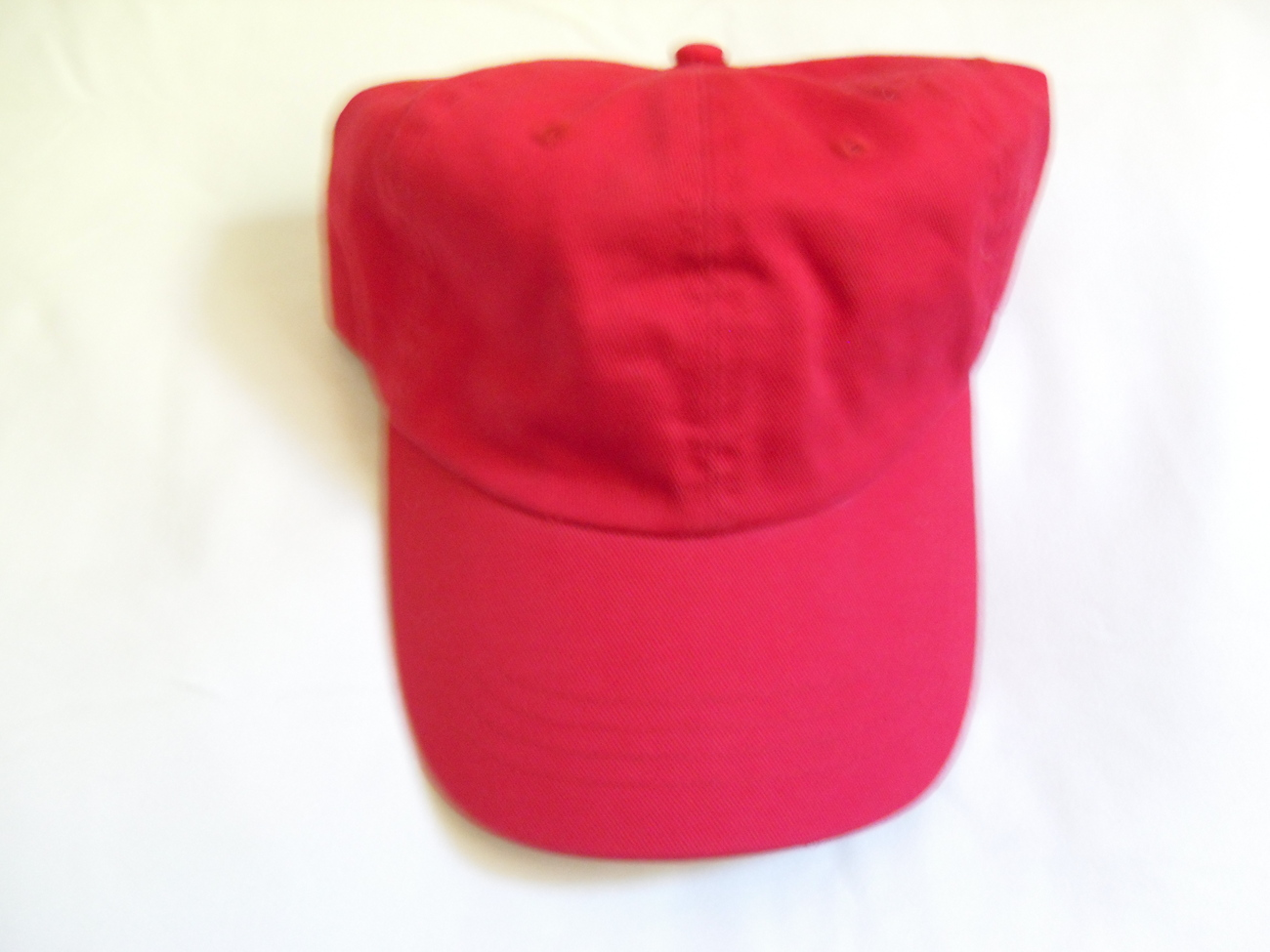 Red_baseball_cap