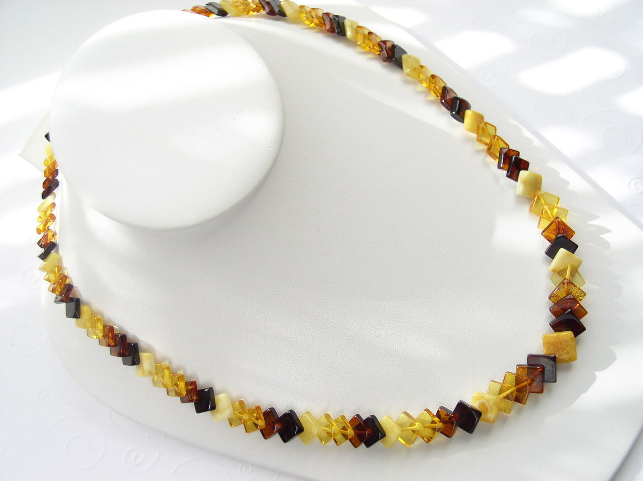 Gorgeous Natural Baltic Amber Diamond Cut Beads Necklace