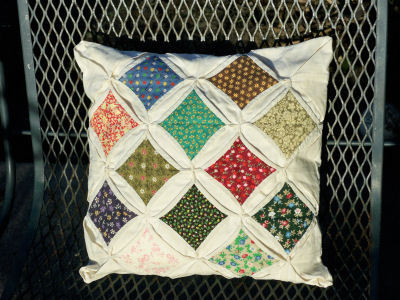 Instructions for a Cathedral Window Quilt | eHow.com