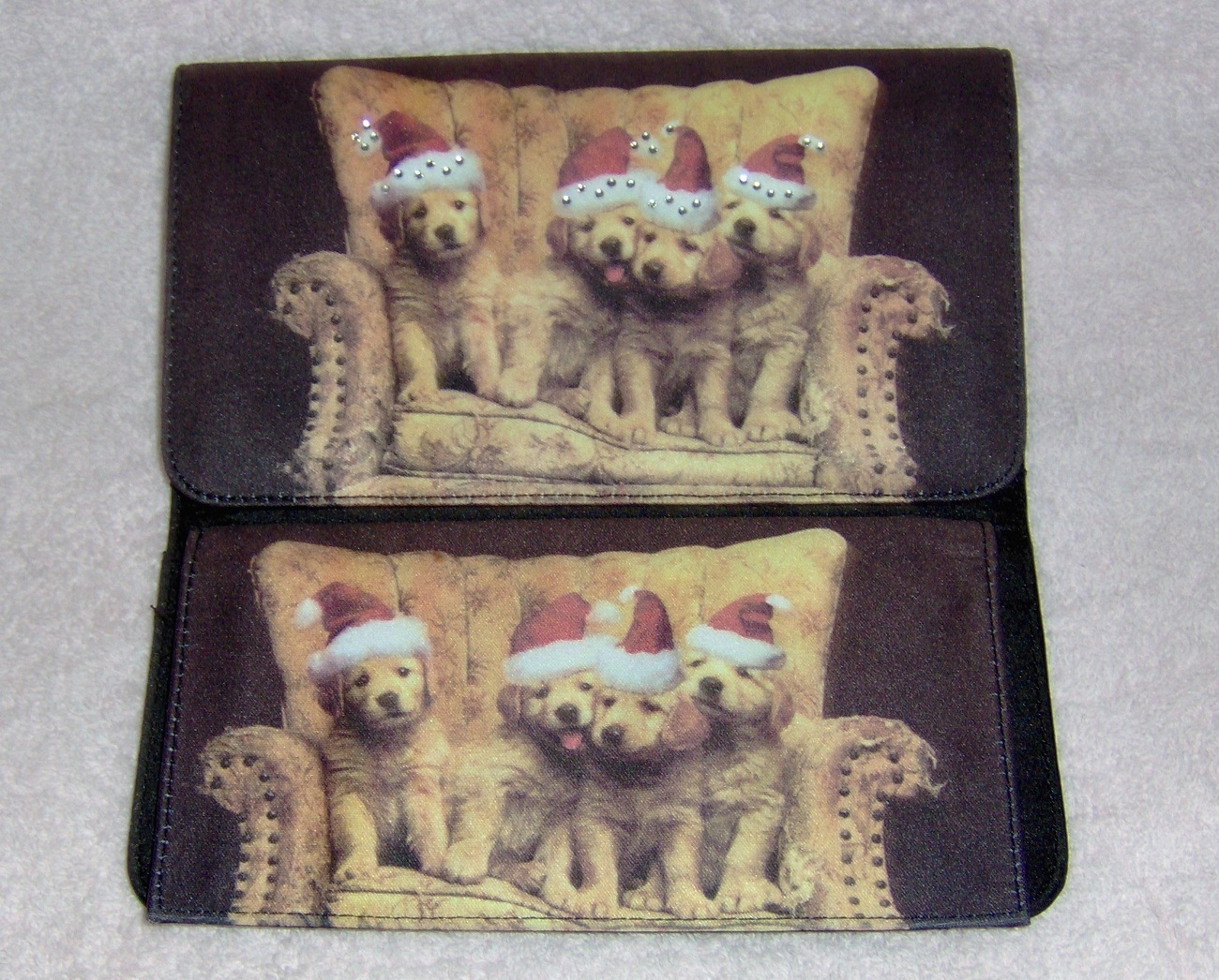 Golden_retriever_billfold_clutch_purse_santa_hats_2