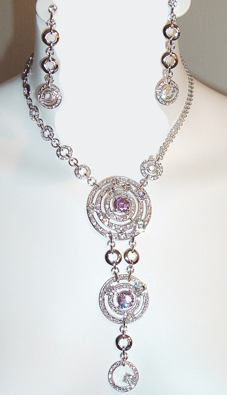 Circle_crystal_necklace_00