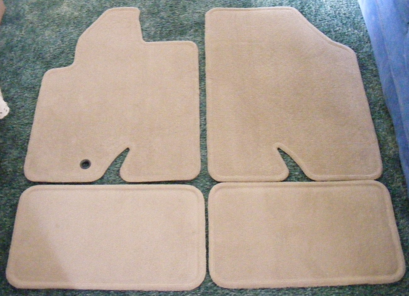 carpet floor mats 2010 ford escape tan set of 4 other. Black Bedroom Furniture Sets. Home Design Ideas