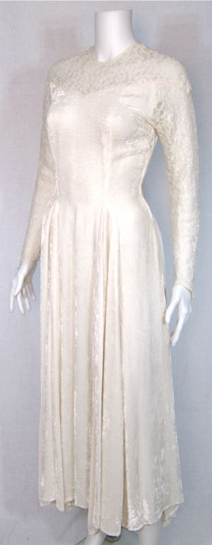 VTG 1930s LACE & VELVET WEDDING GOWN long sleeves